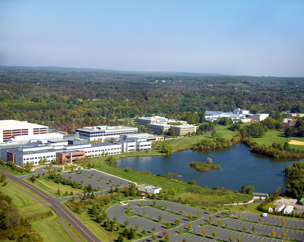 Lincoln Equities Group and H.I.G. Realty Partners Purchase 1.2M-SF Bristol-Myers Squibb Campus in Central Jersey