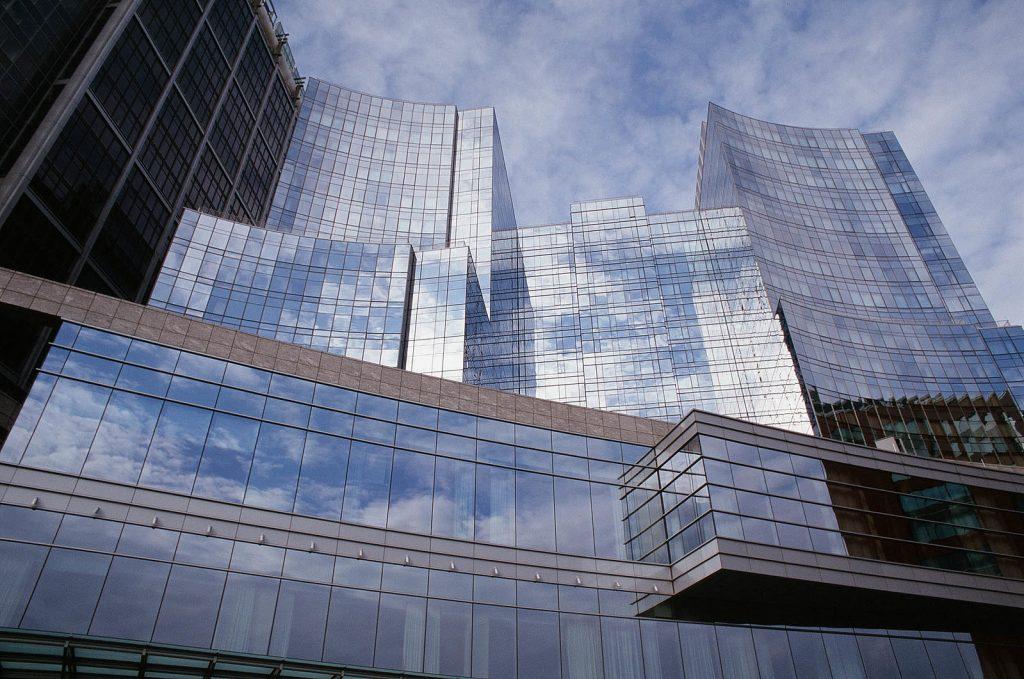 Boston glass buildings by Xavier Häpe CC2.0